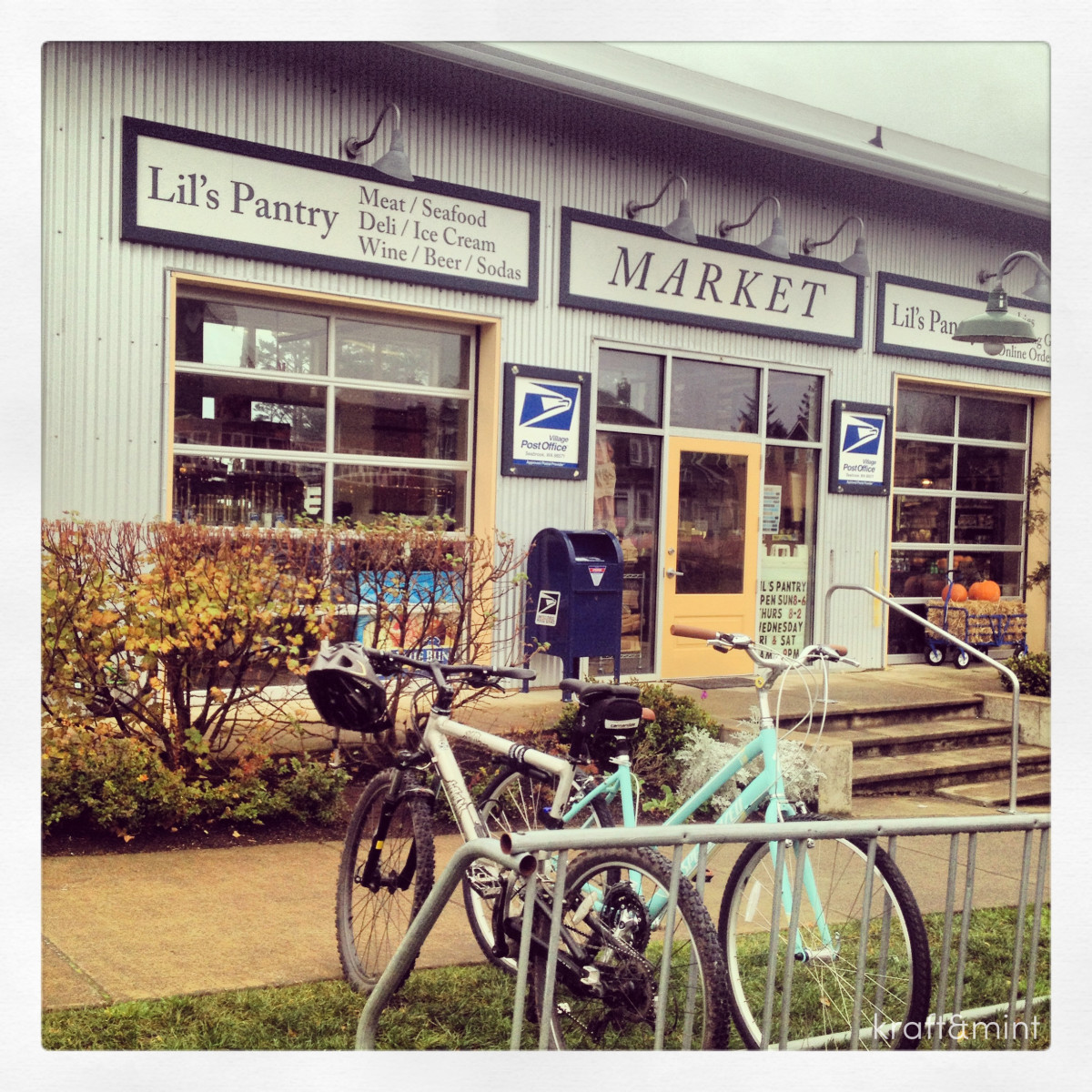 """Lil Pantry"" a mini grocery store with gourmet candy, wine, gelato, fresh produce and more."
