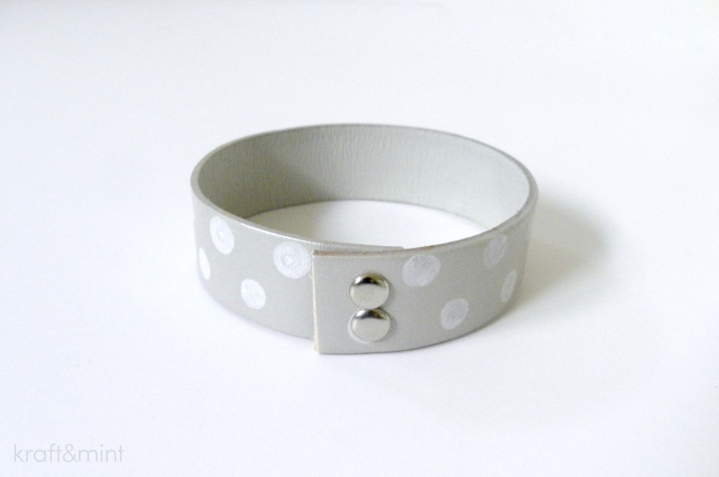 kraft&mint diy leather cuff in grey