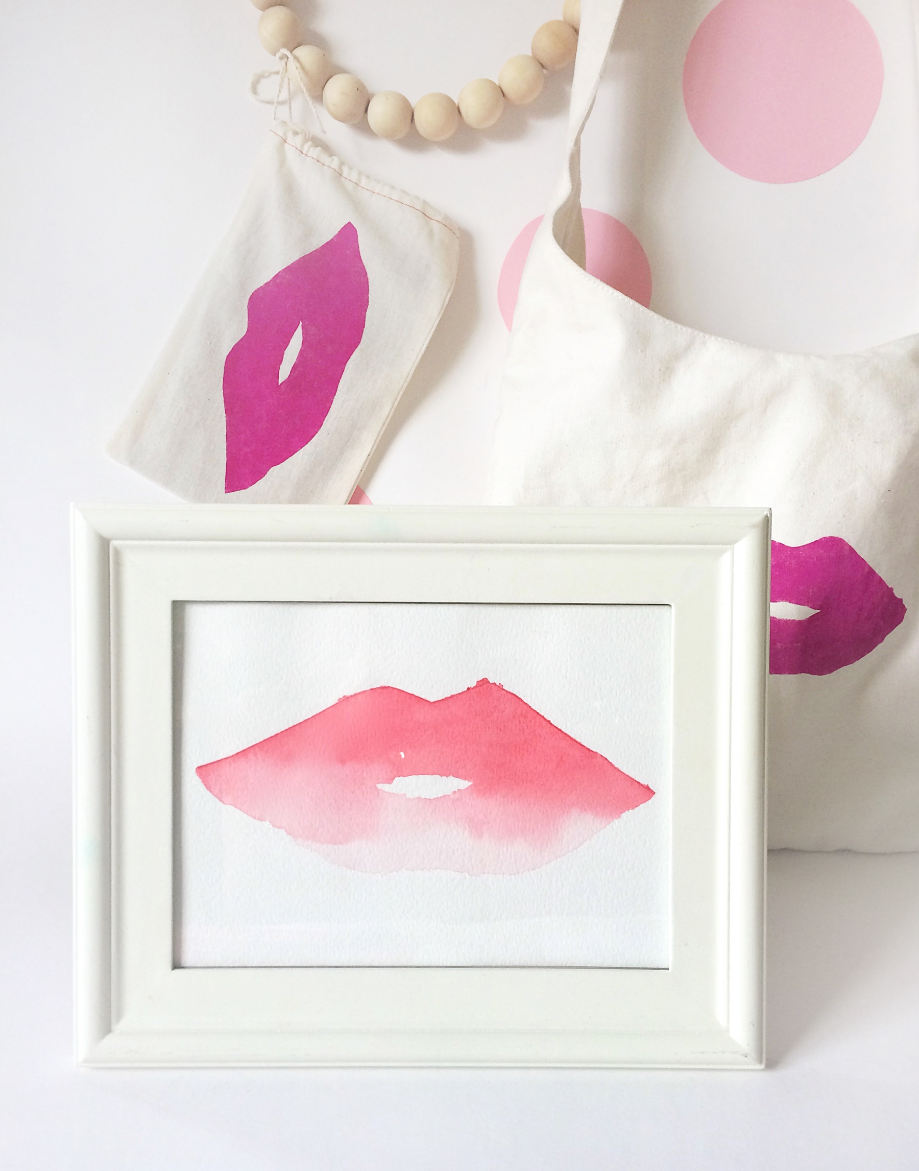 DIY Watercolor Lips Artwork and Canvas Bag DIY