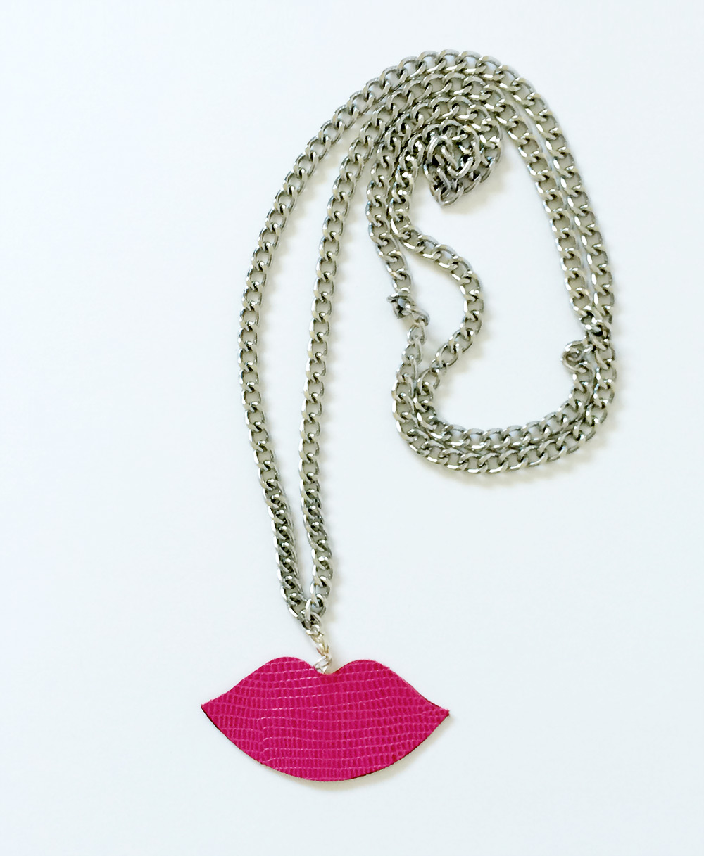 DIY Lips Necklaces by kraft&mint diy crafts tutorials