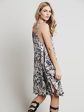 freepeople_floraldress_bw