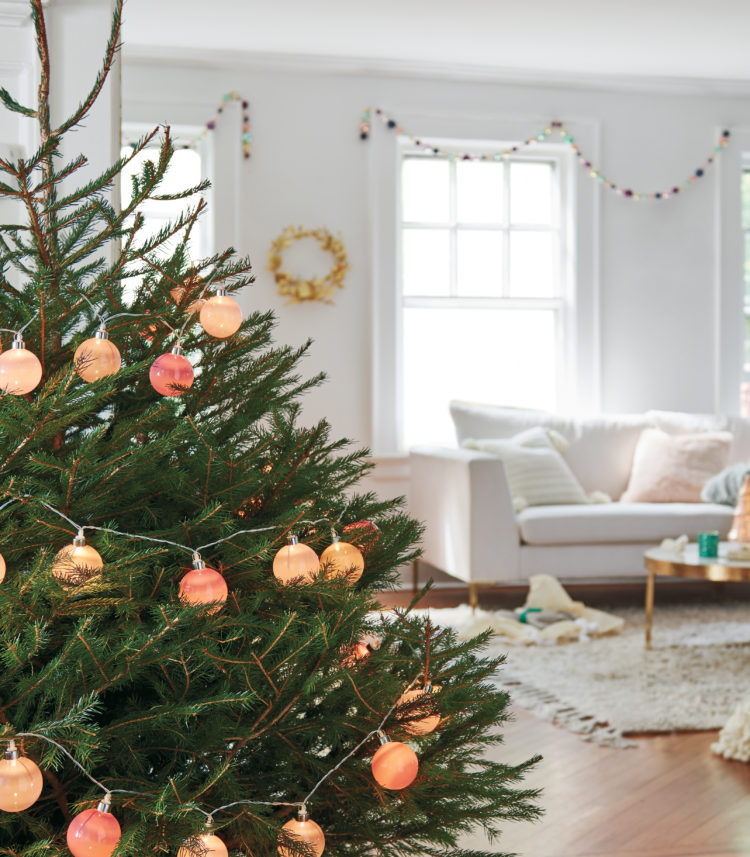 Modern Christmas tree inspiration decor